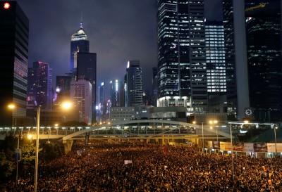 中國公安假冒香港員警?民眾問「這道題」當場被趕