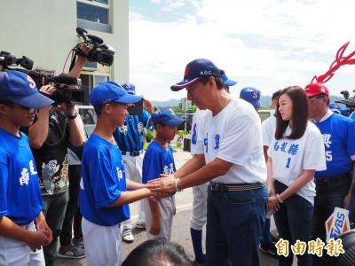 「感謝郭董和學姊讓我能打棒球!」 曾馨瑩哭了、郭董允續支持