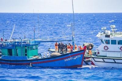 又「越」界!越南漁船盜漁被活逮 罰百萬再押解出領海