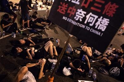 反送中》200萬人怒吼後人未散 今持續「罷市、罷工、罷課」