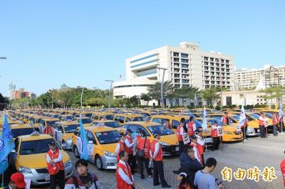 批Uber藐視台灣公權力 計程車產業聯盟籲盡快接受納管