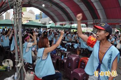半數長榮空服員已繳罷工三寶 工會:持續增加中