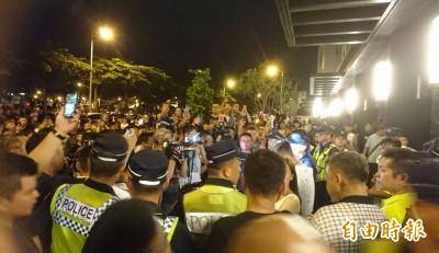 台中女童疑受虐昏迷 鄉民脫序包圍4小時爆警民衝突