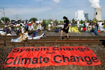 全球面臨「氣候種族隔離」 專家:富人花錢躲 苦難窮人受