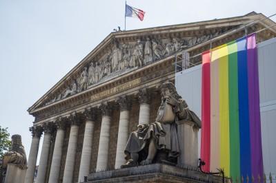 法國85%接受同性戀 巴黎6/29同志遊行估50萬人參加