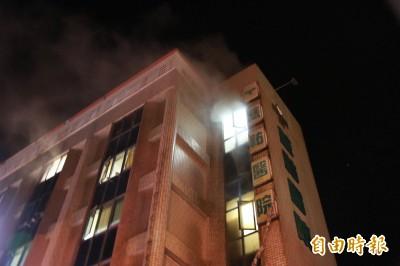 竹南慈佑醫院暗夜火警 71人緊急疏散