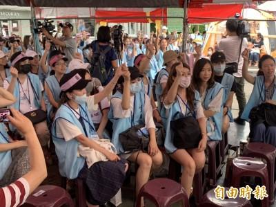 長榮航空罷工空服員讓步  不再堅持禁搭便車等3項訴求