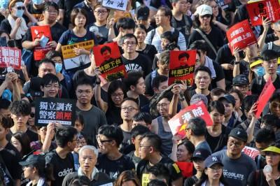 反送中》稱林鄭月娥四面楚歌 港議員籲「學著退讓」