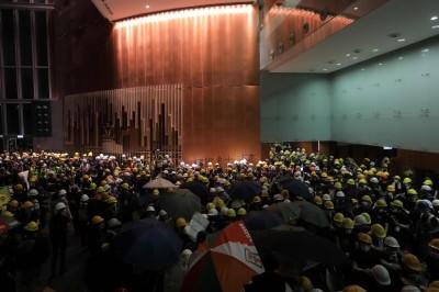 情勢逆轉?香港緊急宣布:明政府總部暫停開放