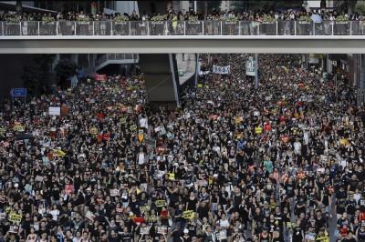 香港七一大遊行 文學家讚:七一的歷史意義 已全盤翻新