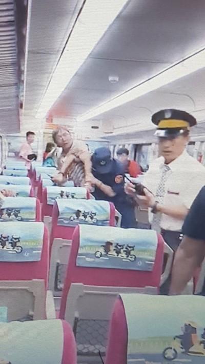 鐵路警察排處自強號旅客糾紛遭刺傷命危 北上部分列車延誤