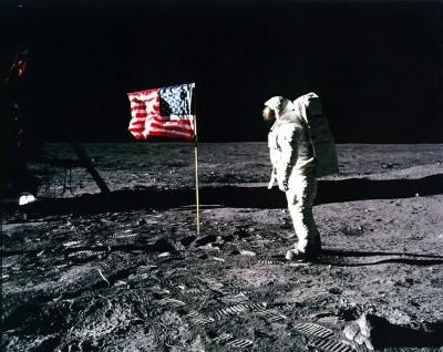 人類登月膠卷 他6778元買下、拍賣價估6200萬