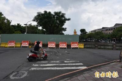 屏市復興公園整修今突封閉道路 蔣月惠持續抗議