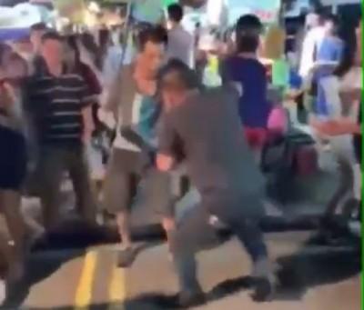 財務糾紛爆衝突 後龍夜市攤商當眾鬥毆