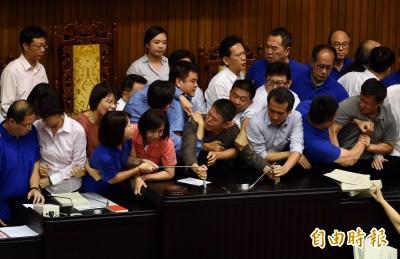 修法揭露中國代理人是「綠色恐怖」?谷辣斯嗆爆國民黨
