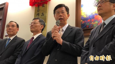 調查官轉傳蘇揆摔筆影片    調查局長呂文忠說話了