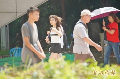 盛夏炎熱!週一高溫上看36度 颱風丹娜絲最快明生成