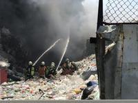 資源回收場大火濃煙蔽天 桃市環保局:空污法最高罰500萬