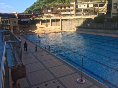 9歲女童泳池溺水 海大救生員CPR救回一命