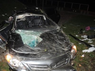 無照駕駛還超車 男失控撞護欄害女友慘死遭訴