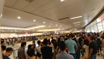 反送中》沙田商場讓警清場? 逾千人圍詢問處填「客訴信」