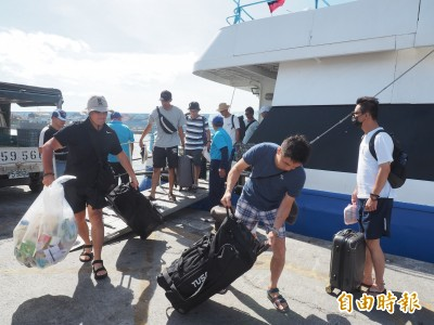 丹娜絲持續逼近 海運停航新增至6航線、航空取消20架次