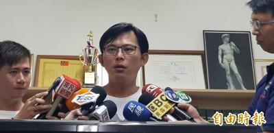 洪慈庸溫情呼喚 黃國昌回應網友:背後開槍算哪一種家人?