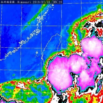 強對流胞命中蘭嶼 鄭明典:季風低壓就在門邊