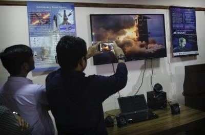 爭做Top 4!印度「月船2號」發射成功 9月初首登月球南極