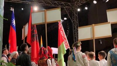 拒拿五星旗!「蘭嶼小飛魚」在波蘭自備國旗進場