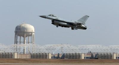 戰機開火了!俄轟炸機首度侵入領空 韓國急派F-16迎敵