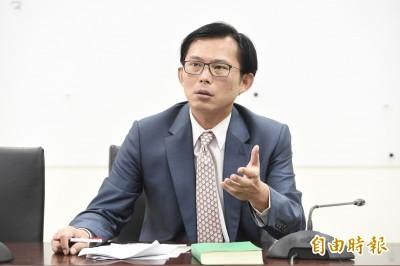 國安局私菸案 黃國昌再爆︰5部運菸貨車屬於總統府