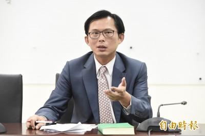 黃國昌︰交部縱容華航高層裝死神隱 愚蠢至極