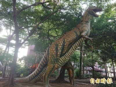 恐龍來了!台南有個「侏羅紀公園」