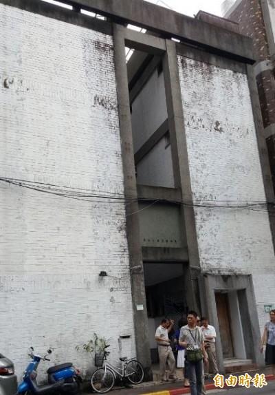 虹廬列歷史建築 住戶抗議影響都更