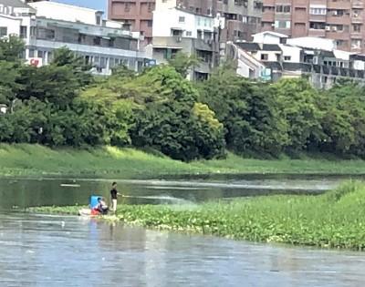 嘉南大圳疑噴除草劑恐污染河川 被抓包馬上改口