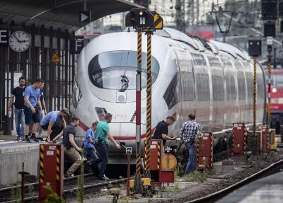 德國法蘭克福母子遭人惡意推落月台 釀1死1傷