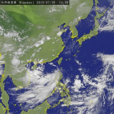 南海熱帶低壓生成 最快明增強為輕颱「薇帕」