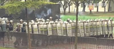 中國PO鎮暴片稱「守護香江」 網友:港版文攻武嚇