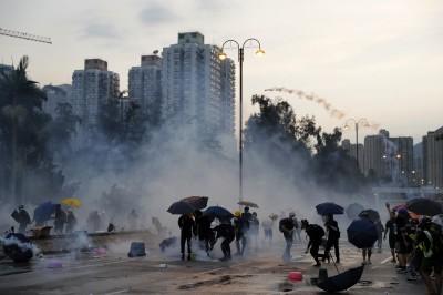 香港無眠!一夜大混戰