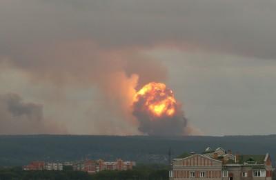 俄國軍火庫大規模爆炸 緊急疏散超過6000民眾