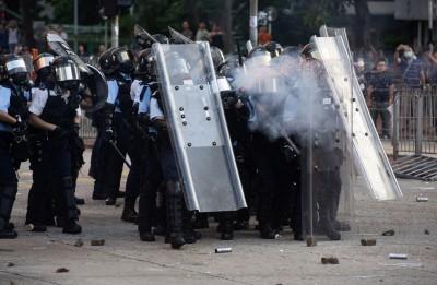 反送中》港警昨狂射800發催淚彈 148人被捕最小13歲