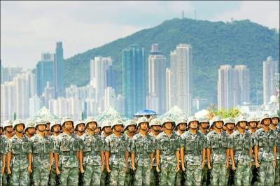 解放軍一旦踏上香港街頭 外媒曝3階段災難性後果