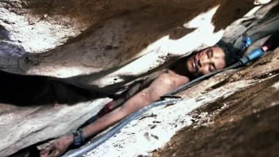 男子收集蝙蝠糞便失足卡岩縫 4天後才被發現...