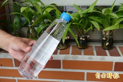 手搖杯被迫表態親中 台水董座魏明谷:喝這一杯最好…