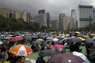 反送中》香港維園集會 驚傳記者遭不明人士襲擊