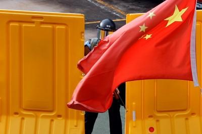 反送中》香港多處傳推撞記者 不明人士遭警方帶離