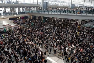反送中》警暴力執法 香港各界怒吼示威再升級