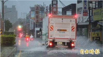 台南暴雨停班停課 醫院門診暫停一覽