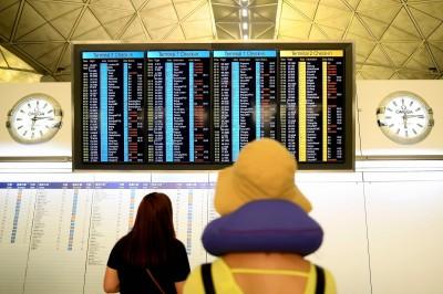 香港機場恢復運作 昨停航逾230班次